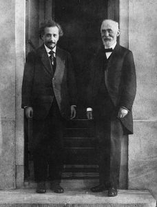 Albert Einstein et Hendrik Lorentz, en 1921.