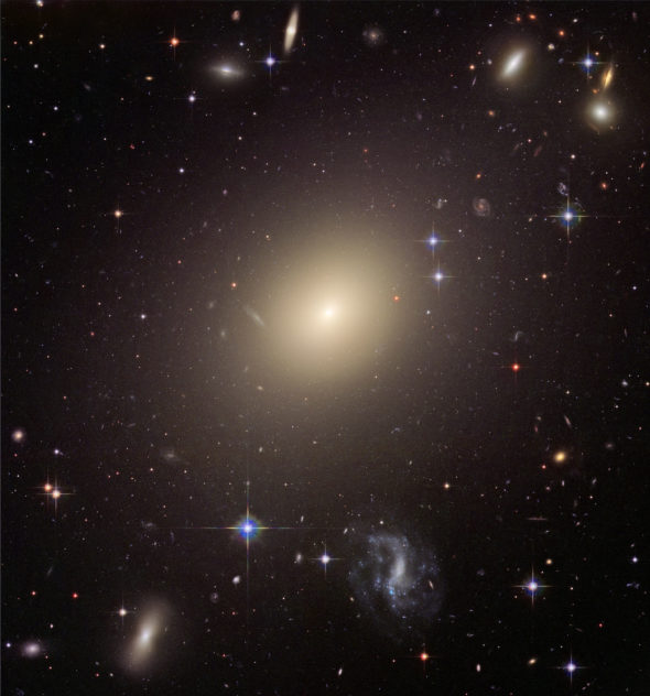 ps277_15galaxyelliptic_ESO325-G004.jpg