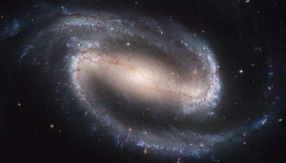 ps277_17Hubble2005-01-barred-spiral-galaxy-NGC1300.jpg